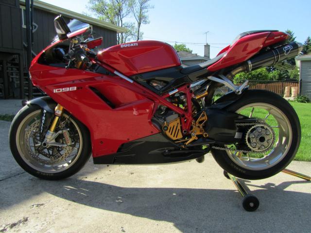 Se Vende  *  Ducati Superbike - Modelo 2008-