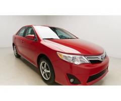 Se vende auto Toyota Camry Le M-2014
