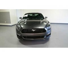 Se vende auto Ford Mustang GT Premium M-2015