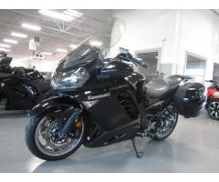 Se vende moto Kawasaki Concorurs 14 ABS M-2009