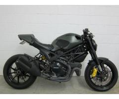 Se vende moto Ducati Monster m-2014